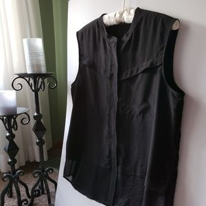 Trouve Black Sleeveless Zipper Blouse